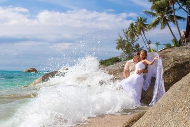 Waves Wedding photographer